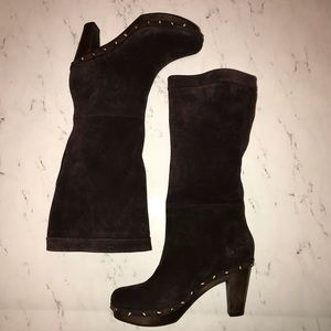 New Banana Republic Dark Brown Suede Pull On Boots